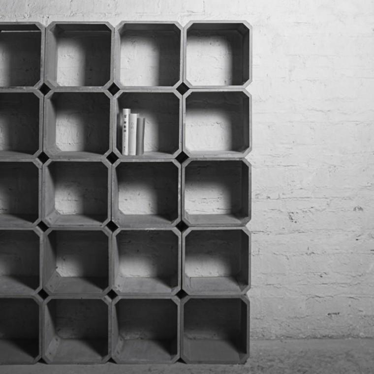 estantes en hormigón en el salón