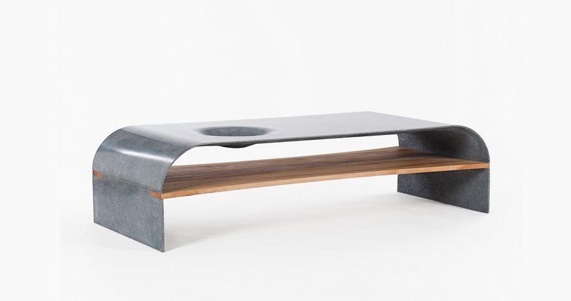 mesa en hormigón en el salón