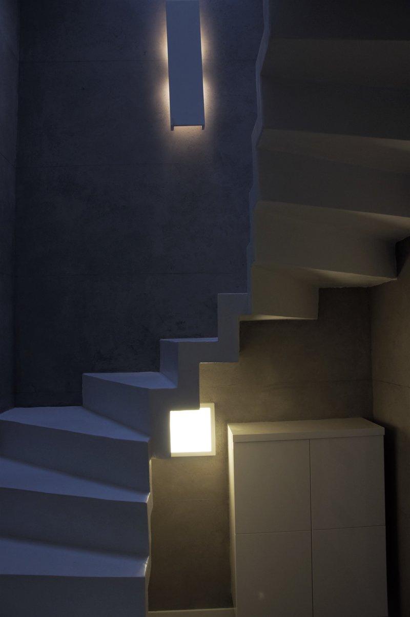 escaleras de microcemento blanco